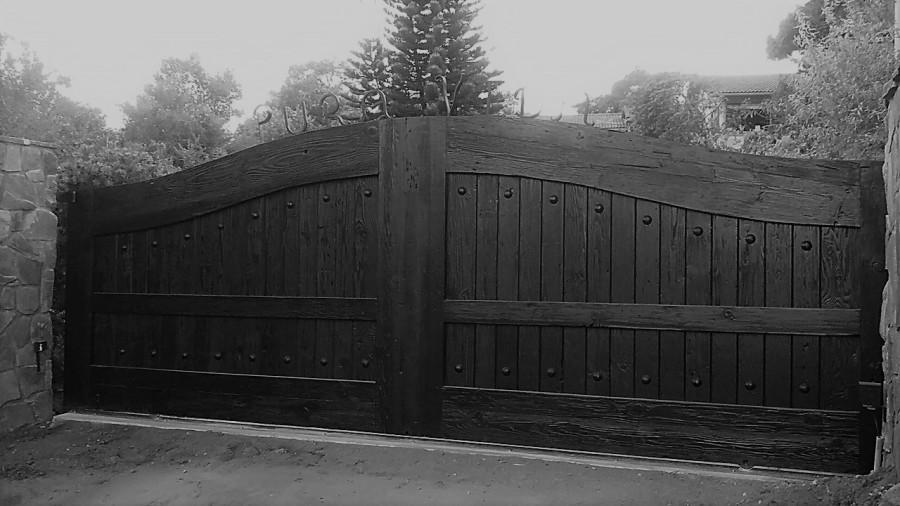Rustic 101 Driveway Gates